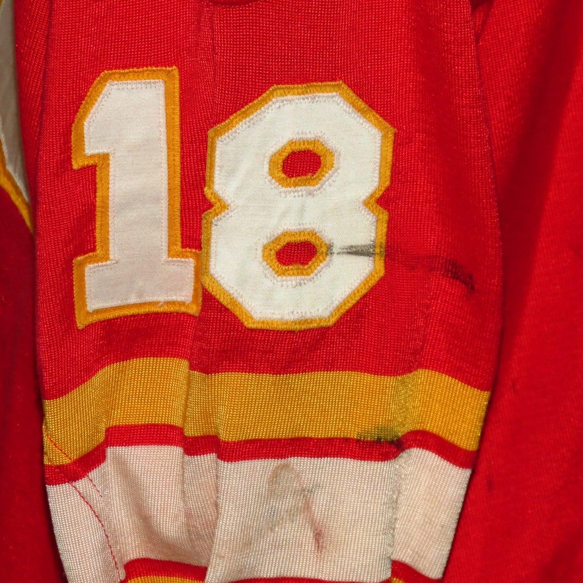 Atlanta-Flames-Defunct-Jersey-stick-marks