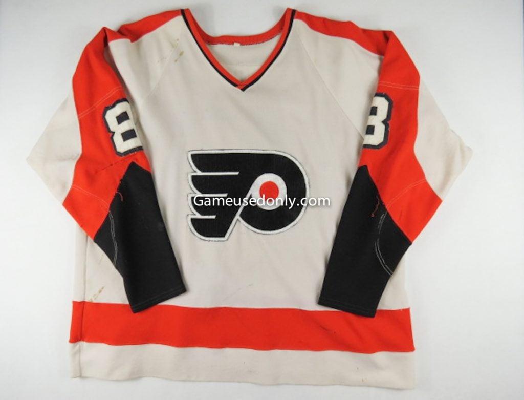Dave-Schultz-Philadelphia-Flyers-1974-Game-Used-Jersey