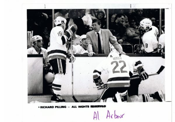 Mike-Bossy-Photo-Match-New-York-Islanders