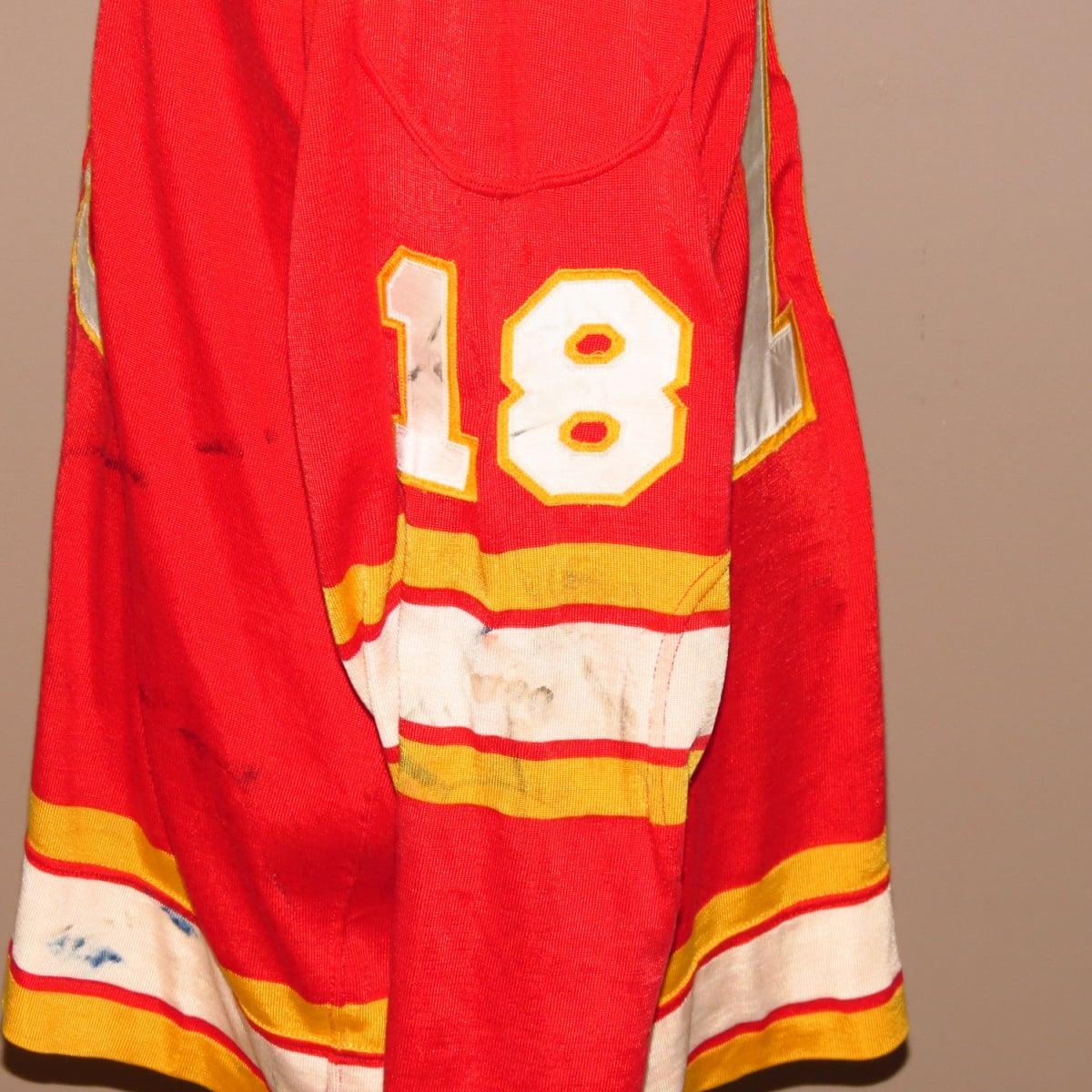 NHL-Stick-Marks-repairs-Flames-1974