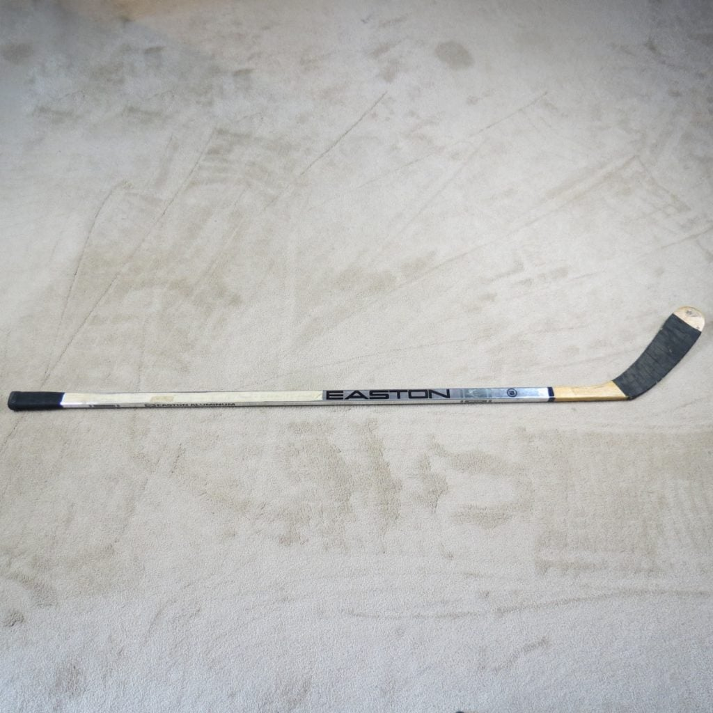 Wayne-Gretzky-1400-Assist-Miletone-Game-Used-Stick