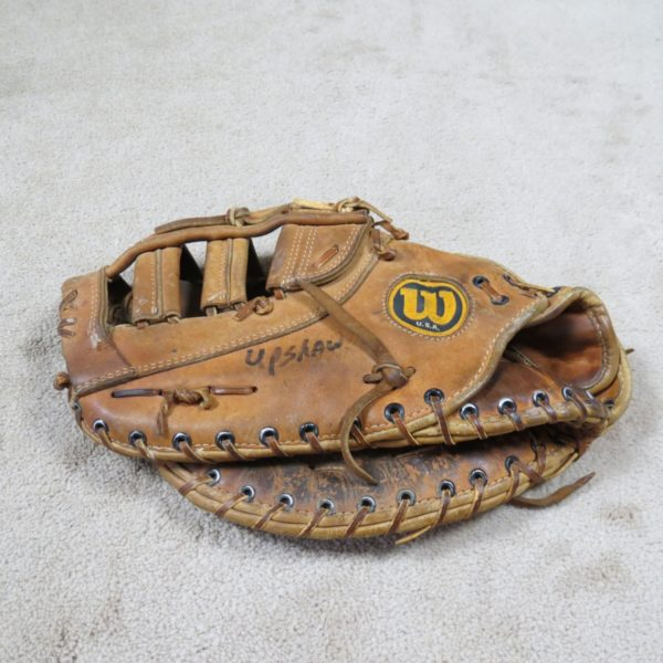 Willie-Upshaw-Toronto-Blue-Jays-game-Used-Worn-Glove