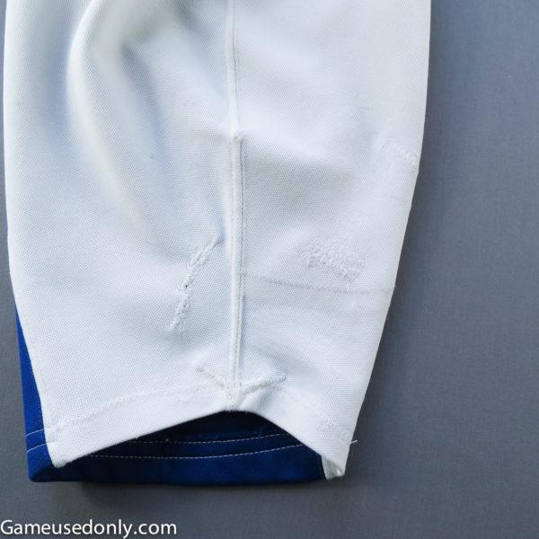 Rick-Vaive-Maple-Leafs-Worn-Jersey-Sleeve-Detail