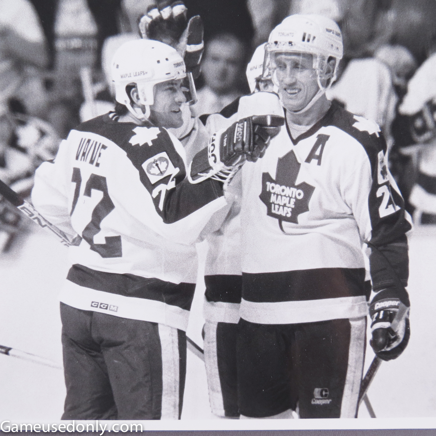 Rick-Vaive-Photo-Matched-Jersey-1987-Maple-Leaf-Gardens-Borje-Salming
